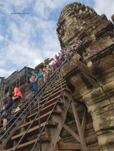 The long stairs to reach the top of the Angkor Wat