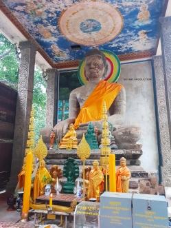 Hindu buddha located outside of Prasat Bayon