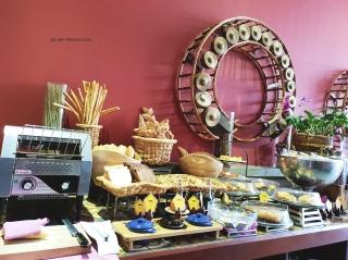 Buffet breakfast at Golden Temple Retreat